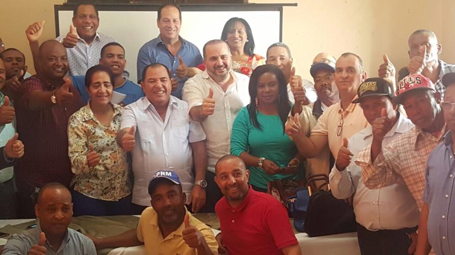 Expresidente Hipólito Mejía junto a candidatos vicepresidenciales y subsecretarios del PRM defienden inocencia de Alexis Victoria