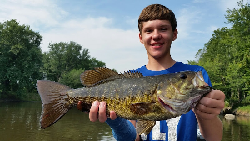 Muskegon River Smallmouth Bass Fishing
