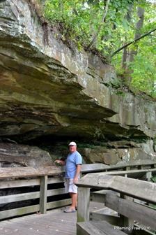 Walking under the rock shelves