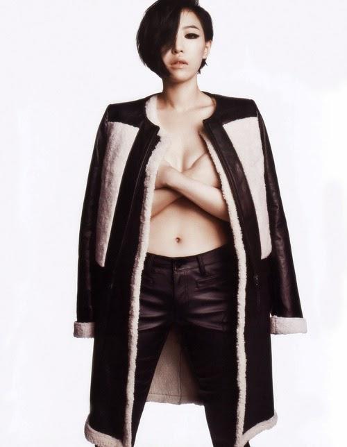 Những shot hình bán nude táo bạo nhất của mỹ nhân Hàn