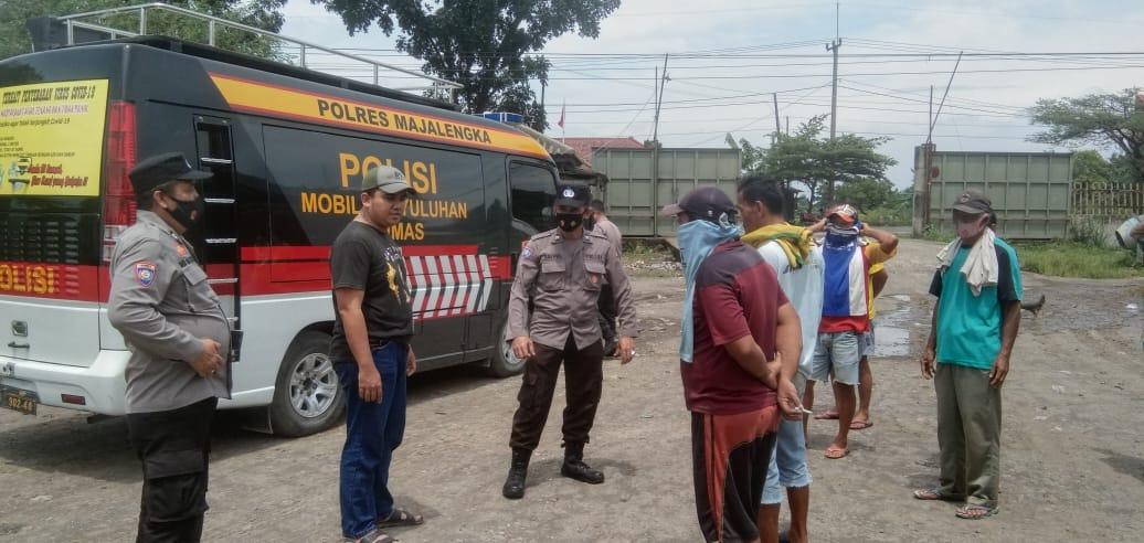 Sat Binmas Polres Majalengka Polda Jabar Sambangi Pekerja Pupuk Kujang