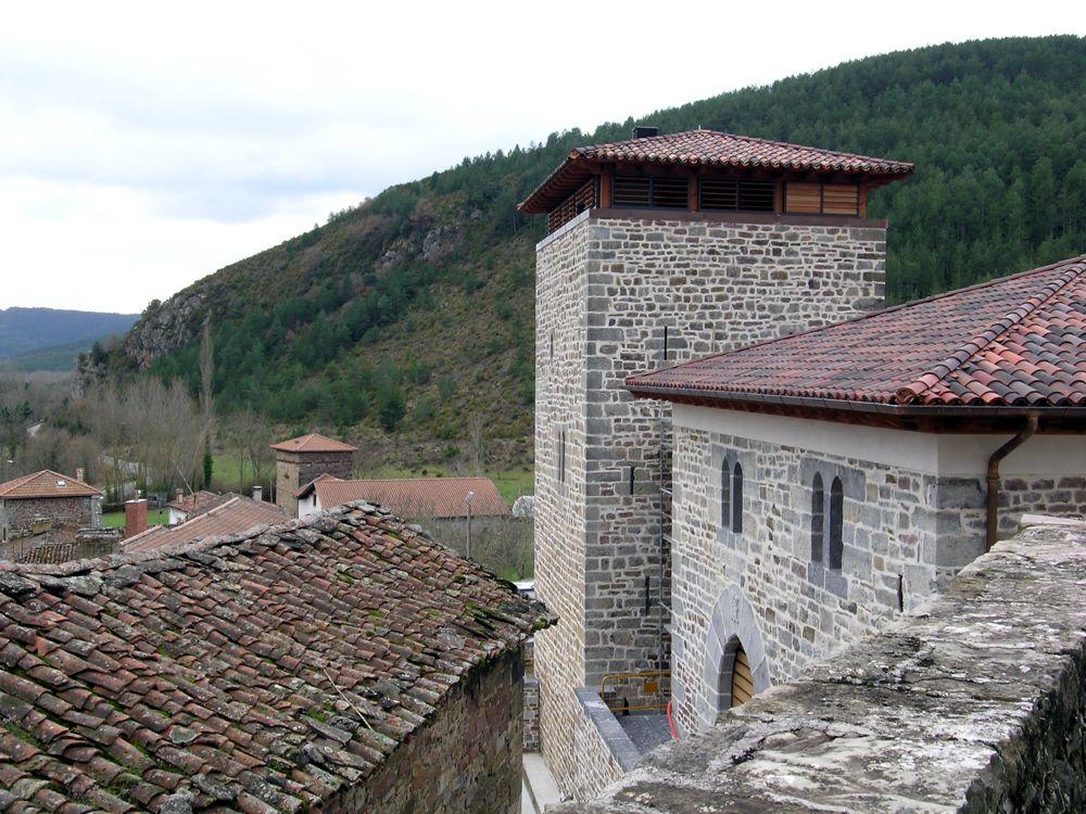 Reconstruccion Torre de Uriz - DSCN9512.jpg
