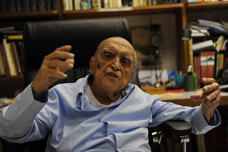 Photo: Brazilian architect Oscar Niemeyer speaks with AFP during an interview for his 102nd birthday, in his studio in Rio de Janeiro on December 15, 2009. Niemeyer, one of the most outstanding referents in modern architecture, is planning for next year to make improvements in the famously known Sambodromo, which he designed.   AFP PHOTO/Vanderlei Almeida (Photo credit should read VANDERLEI ALMEIDA/AFP/Getty Images)