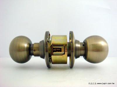 裝潢五金品名:喇叭鎖(古銅) 規格:60mm 型式:房間/浴室玖品五金