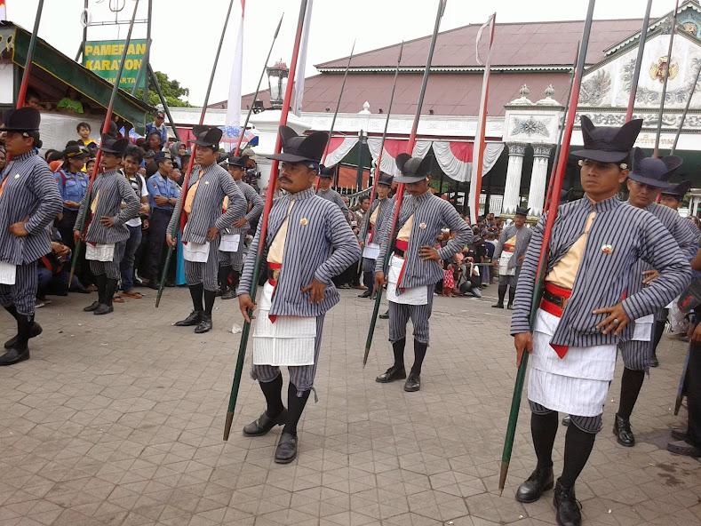 Parade Prajurit Kraton di Acara Grebeg Maulud