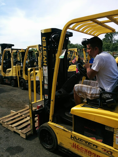 NL- Forklifts! - IMG_20140811_154935