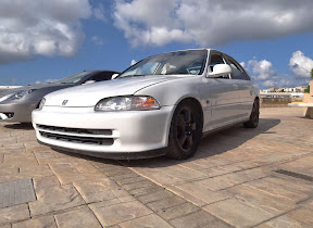 White Honda Civic - EG9