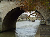 Date: December 2007  Location: Paris  Story: Not much to tell. Went for a walk while Janet was giving some sort of a speech. The view beckoned a picture. Almost a cliche.