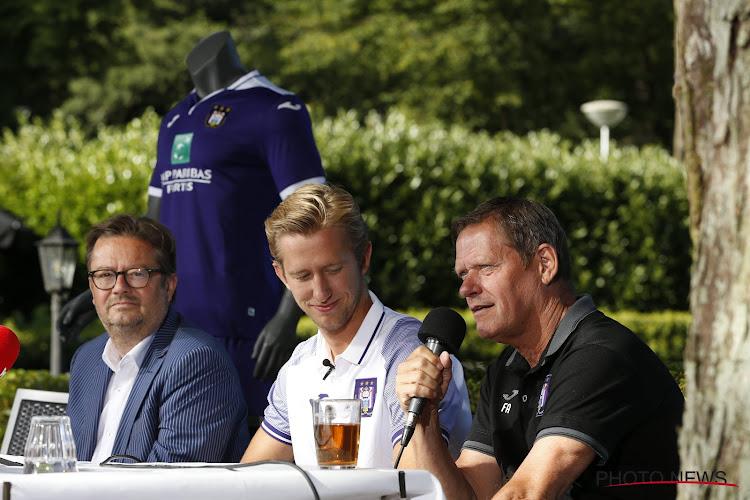 """Arnesen na zware onderhandelingen: """"Ik wist meteen dat we hem moesten hebben, Kompany wist het ook direct"""""""