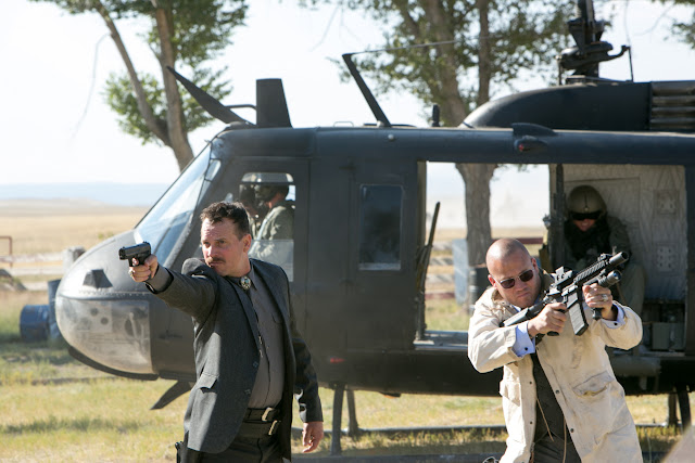 Bill Paxton as Earl in 2 Guns