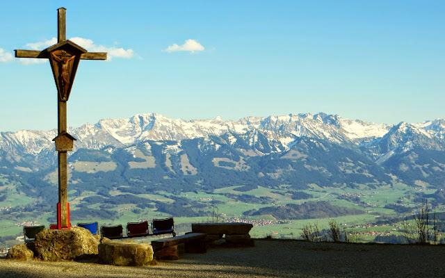 Kreuz am Mittag Blick Rotspitze Pfannhölzer Daumen Sonnenköpfe Entschenkopf, Nebelhorn Rubihorn