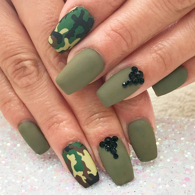 THE BEST CAMOUFLAGE NAIL DESIGNS FOR PRETTY WOMEN 3