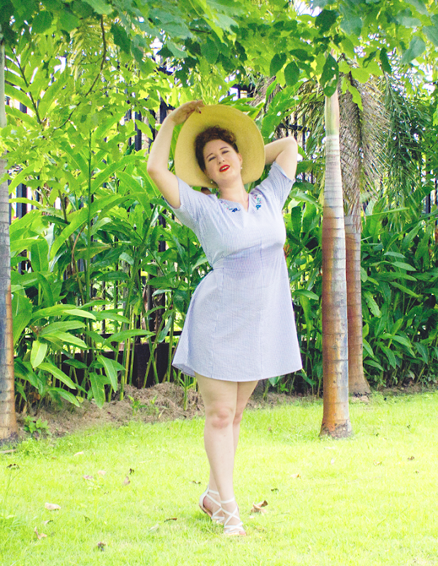 Wearing a 1940's inspired outfit in the tropics | Lavender & Twill