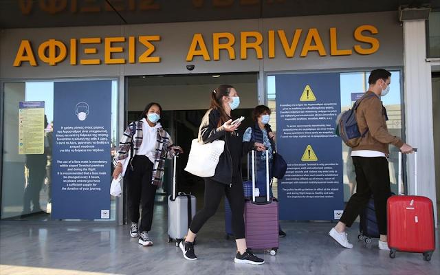 Τριπλασιάστηκαν οι αναζητήσεις Βρετανών για διακοπές στην Ελλάδα
