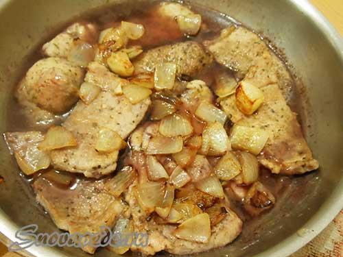 свинина в винном соусе