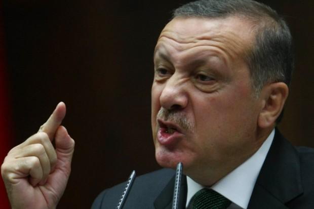 Idolaku Erdogan Penuh Dengan 'Ilusi Religius'