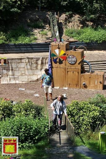 Sjluuk & Co en de geheime speelgoedmachine Openluchttheater Overloon 25-07-2012 (19).JPG