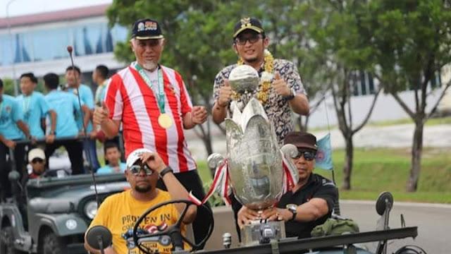 Luar Biasa! PSP U-15 Juara Nasional Piala Soeratin, Wako Mahyeldi Terima Penghargaan dari SIWO PWI Pusat