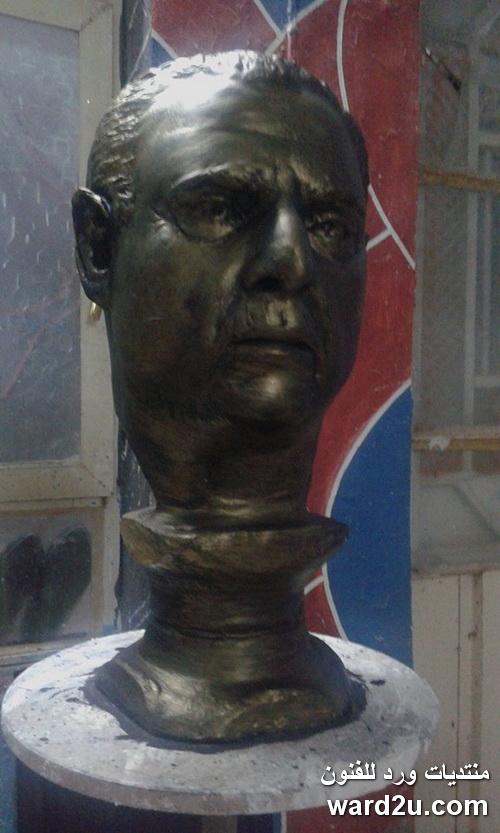 تمثال بورترية من الطين