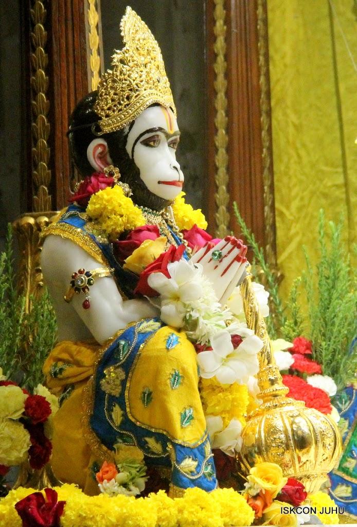 ISKCON Juhu Sringar Deity Darshan on 26th June 2016 (19)