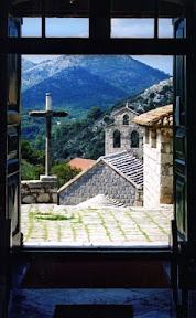 pogled iz crkve.jpg