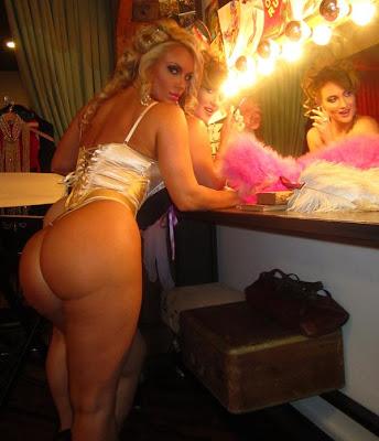 Nicole CoCo Austin Hot sexy butt