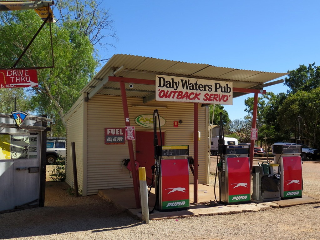 [170606-032-Daly-Waters-Pub3]