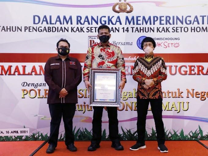 Kapolres Asahan, Raih Penghargaan di Malam Puncak Penganugerahan Polri Presisi yang Digelar Polisi Selebriti di Jakarta