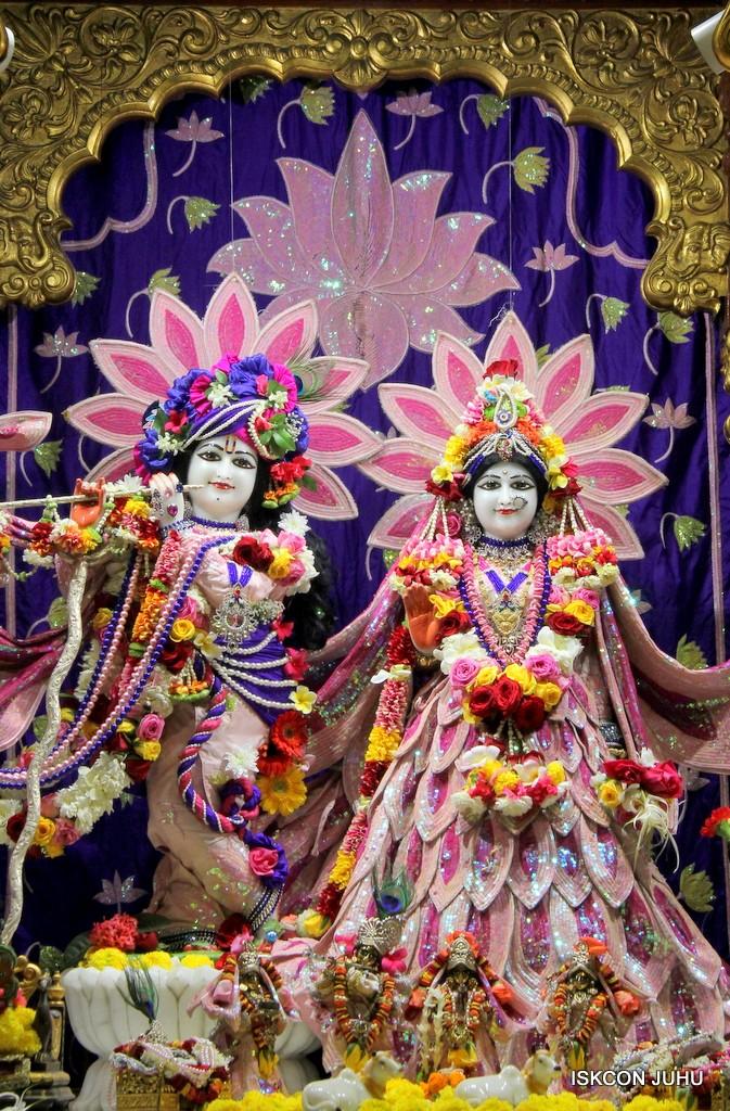 ISKCON Juhu Sringar Deity Darshan 5 Jan 2017 (41)