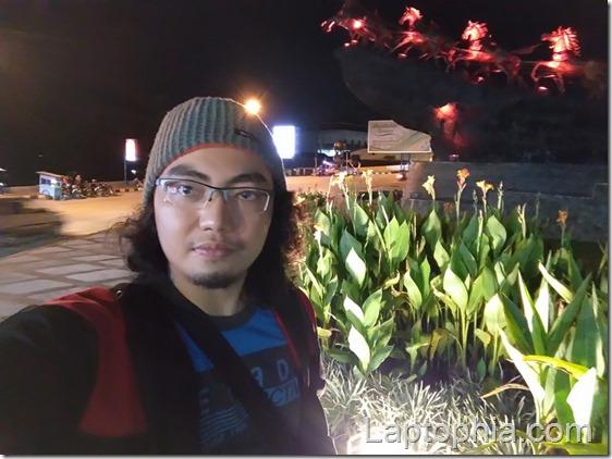 Foto Selfie Siang Hari (Kamera depan)