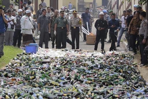 10.197 Botol Miras, 5.000 Eximer, 1 Kilogram Ganja Dimusnahkan Polres Karawang