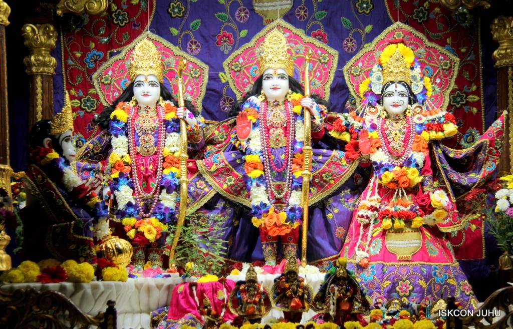 ISKCON Juhu Sringar Deity Darshan 29 Jan 2016 (33)