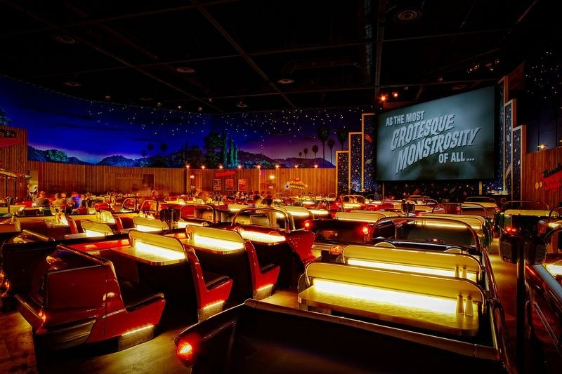 sci-fi-dine-in-theater-7