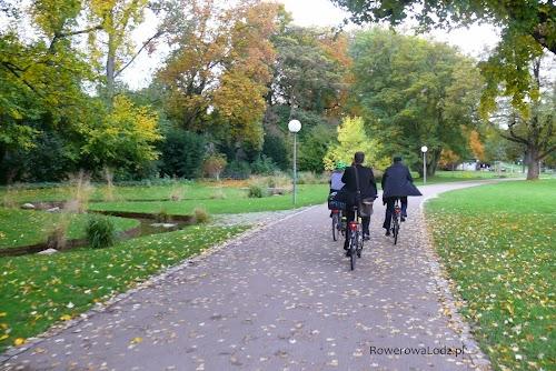 Wiele dróg w Stuttgarcie prowadzonych jest przez parki.