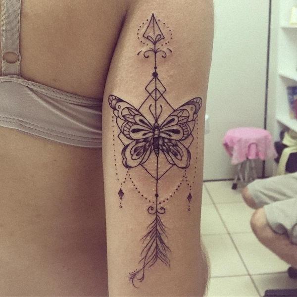 esta_fina_linha_de_tatuagem_de_borboleta