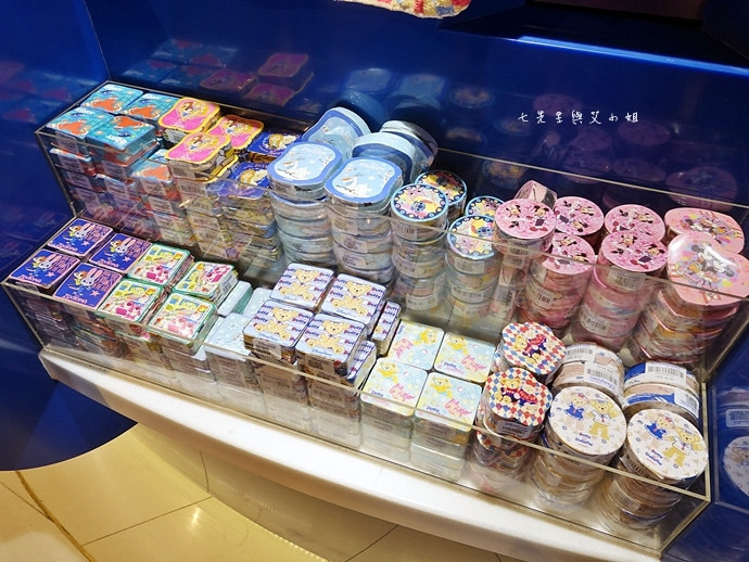 45 香港機場 迪士尼奇妙店 買達菲熊免進迪士尼樂園