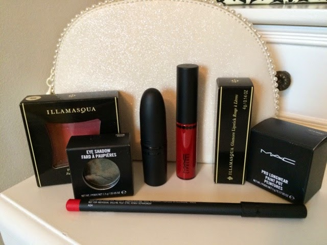 statue of liberty, new york, bauble, christmas, presents, bbloggers, make up, mac, nars, illamasqua, ted baker, michael kors, macbook, gifts, christmas 2015, blogpost, beauty, mac cosmetics, ruby woo