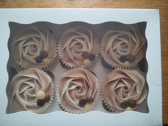 Cupcakes  الكعك ((فقط من أمواج )) صور  2011-05-28%25252011.47.43