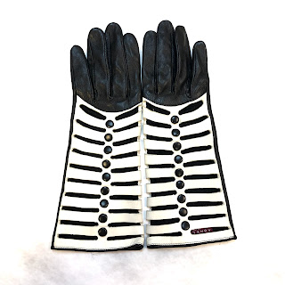 Agnelle Button Detail Gloves