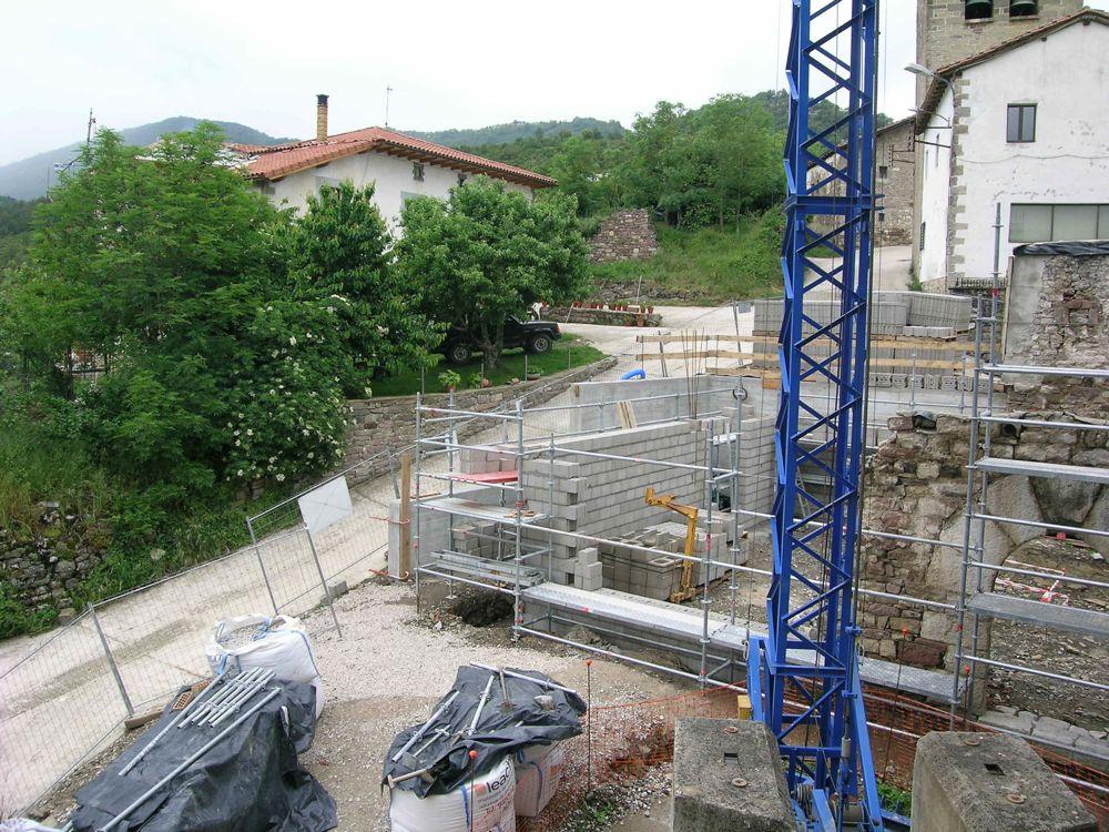 Reconstruccion Torre de Uriz - DSCN9027.JPG