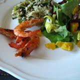 Ryż z porami i sosem śmietanowo-musztardowo-miodowym + sałata z mango + krewetki