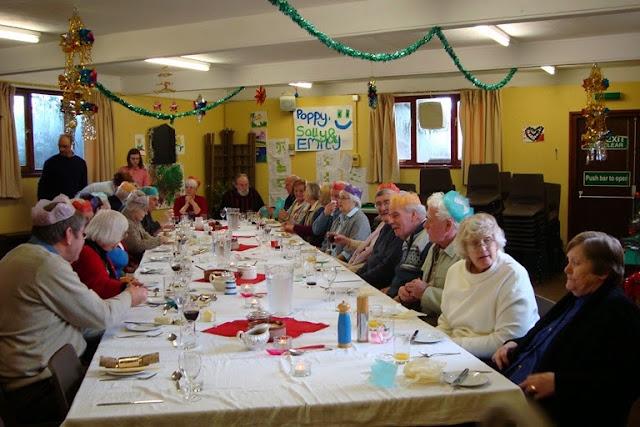Pensioners Lunch - 12-12-2010 - WPL201009.jpg