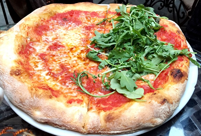 Pizza Arrabiata / Pizza Margherita con Rucola
