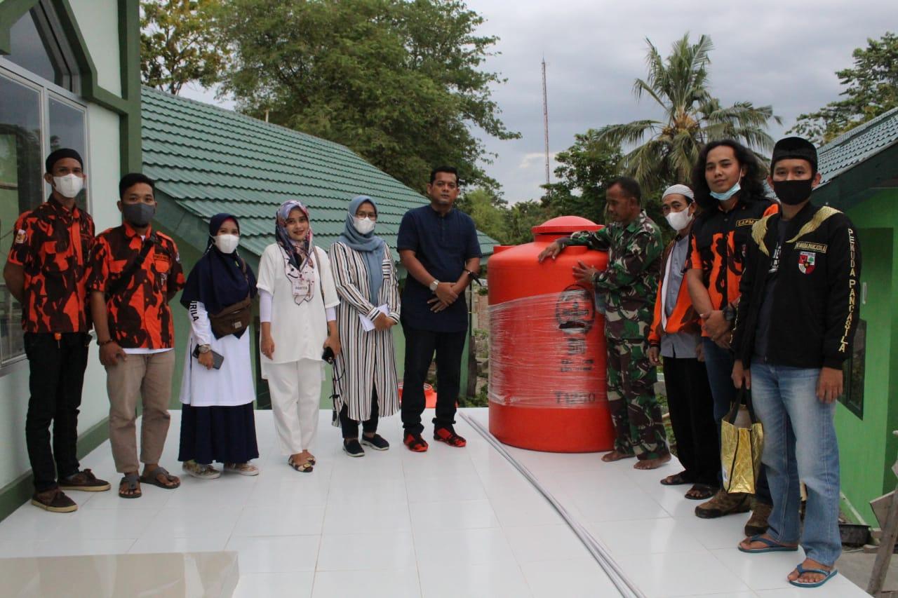 Pemuda Pancasila,DPD II KNPI, Majelis Dzikir, Pengusaha Muda Soppeng Salurkan Bantuan Untuk Pembangunan Mesjid al-Ikhlas Asrama Kodim 1423/Soppeng