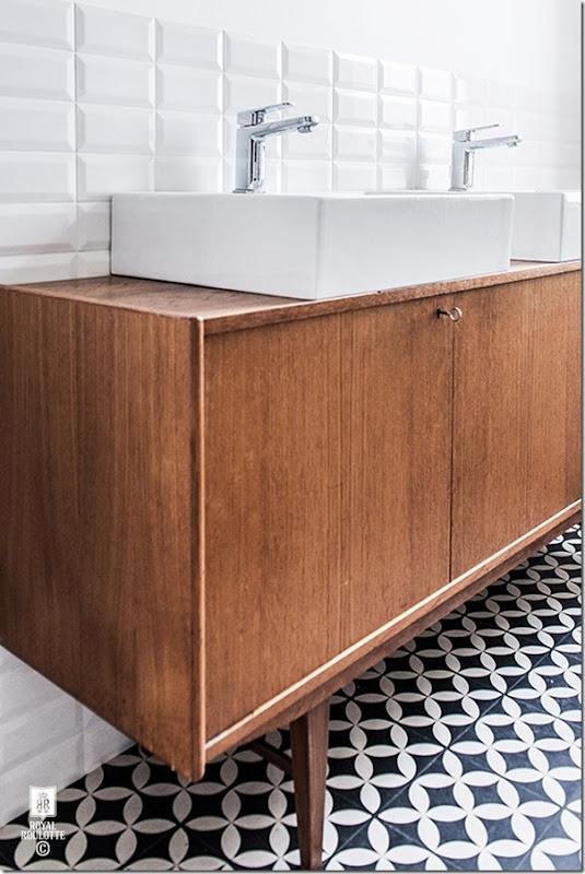 come-inserire-un-mobile-vintage-nell-arredamento-del-bagno (1)