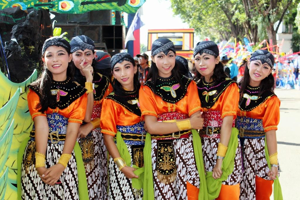 Foto Karnaval Hut Kota Madiun Smk Negeri 5 Madiun