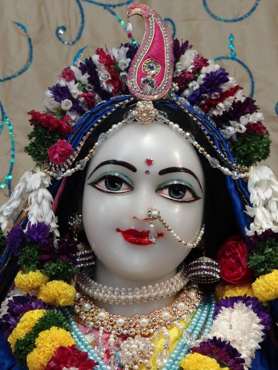 ISKCON Nigdi Deity Darshan 22 Jan 2016 (4)