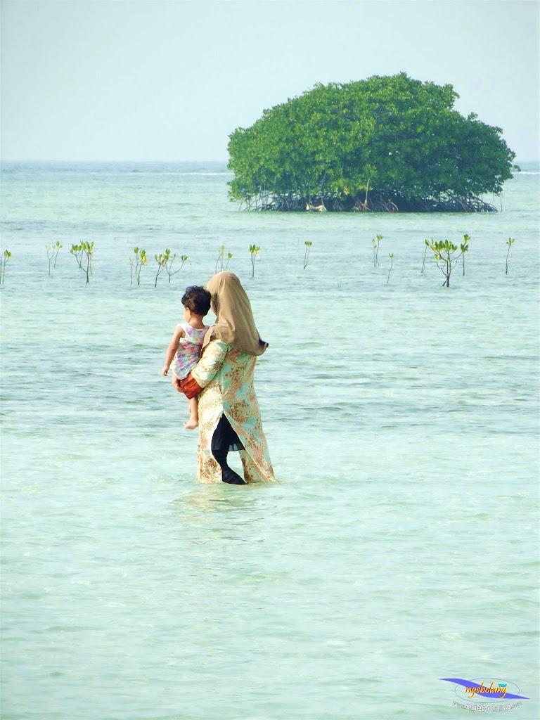 family trip pulau pari 090716 Fuji 145