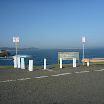 Trail and sign down to Bare Island near La Perouse (308114)