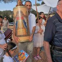 Relocating Torah Scrolls 2012  - DSC_1582.JPG